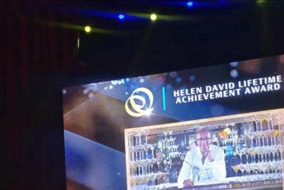 Javier de las Muelas recibe el mayor galardón mundial de la coctelería