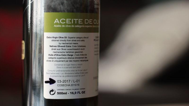 ¿El aceite de oliva caduca? Pues no caduca, pero...