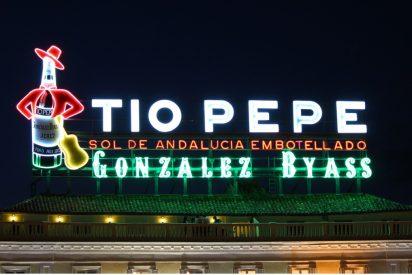 El luminoso de Tío Pepe ilumina la Nochevieja