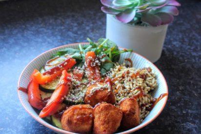 Buddha Bowl con bocaditos de coliflor, una receta deliciosa y sana