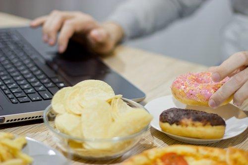 Uno de cada dos adultos en España tiene sobrepeso u obesidad, un problema que se ha agravado con la pandemia