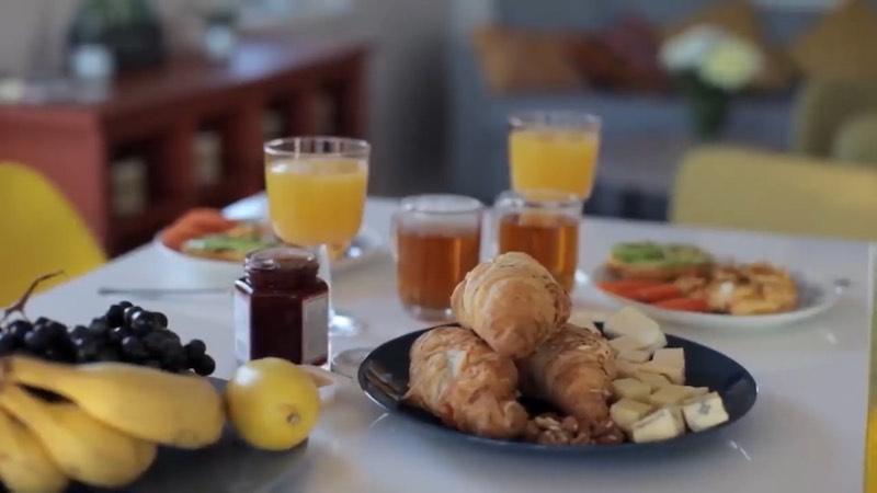 Cómo desayunar sano según la ciencia y el papel del aceite de oliva virgen extra