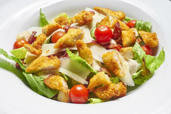 Menús veraniegos. Empecemos con sopas frías y ensaladas 1/2