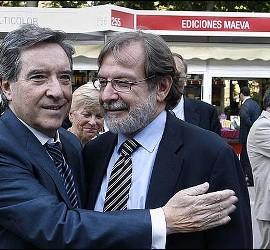 Iñaki Gabilondo con Juan Luis Cebrián.