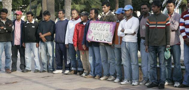 http://www.periodistadigital.com/imagenes/2009/12/17/inmigrantes9.jpg