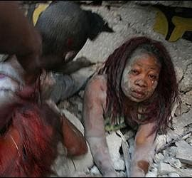 Atrapada bajo los escombros en el terremoto de Haití.