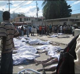 La destrucción y la muerte en Haití