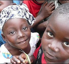 Solidaridad con los niñps de Haití