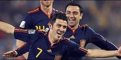 Villa celebra su gol.