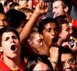 Aficionados en Barcelona durante el partido.