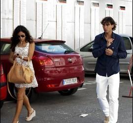 <p>El tenista mallorquín Rafael Nadal junto a su novia Xisca Perello. EFE / Archivo</p>