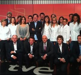 Santiago González, Fran Llorente y el equipo de deportes de TVE.