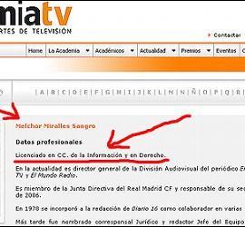 Curriculo oficial de Melchor Miralles en la web de la Academia de las Ciencias y las Artes de Televisión. Subrayado en rojo, aparecen como 'Datos profesionales' Licenciado en CC. de la Información y en Derecho.