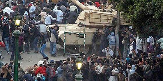 http://www.periodistadigital.com/imagenes/2011/02/03/revueltas-en-egipto_560x280.jpg