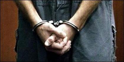 Delincuente detenido.