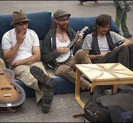 Indignados acampados en la Puerta del Sol.