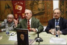 Félix Pacho Reyero, Cándido Alonso y Guillermo Suárez, en la presentación