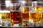 Vasos de whisky.