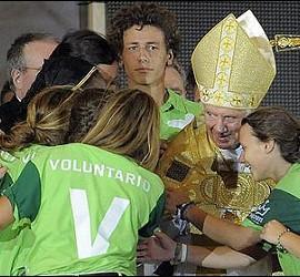 El Papa Benedicto XVI con los jóvenes del JMJ.