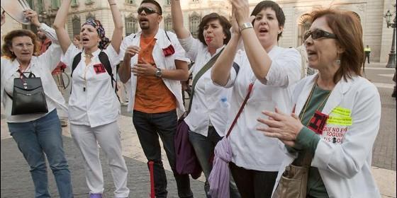 Un millar de sanitarios reclaman a cardenal sistach que se for Sanitarios barcelona
