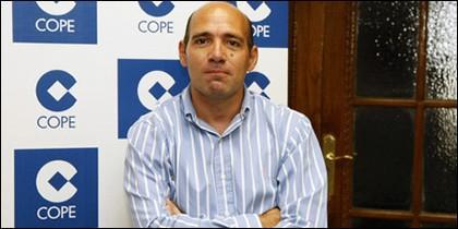 Juan Antonio Alcalá.