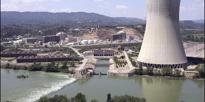 Fotografía de archivo del 05/05/07, de una vista general de la central nuclear de Ascó II (Tarragona).