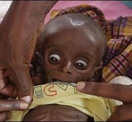 Hambre, infancia y sequía en Africa.