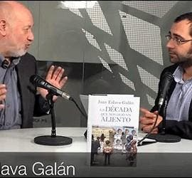 Juan Eslava Galán durante la entrevista en Perodista Digital.-Nov 2011-
