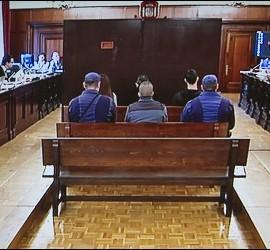 <p>Imagen tomada del monitor de televisión de la sala de la Audiencia de Sevilla donde continúa el juicio por la violación y muerte de Marta del Castillo. EFE</p>
