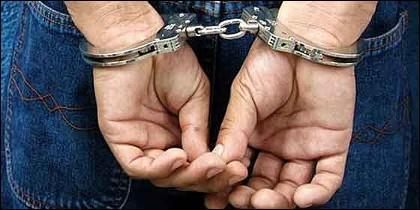 Ladrón, estafador, criminal y detenido.
