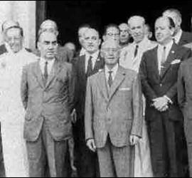 Imagen de enero de 1969 de Francisco Franco junto a los miembros de su Gobierno