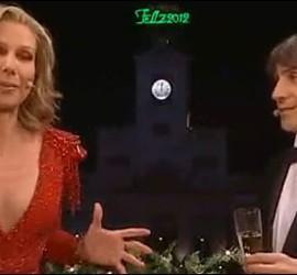 Captura de La 1 con Anne Igartiburu y José Mota en las campanadas.