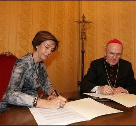 Osoro y Hortensia Herrero firman el acuerdo