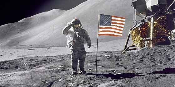 Diez detalles que la gente ignora sobre la llegada del hombre a la Luna Astronaut-dave-scott_560x280
