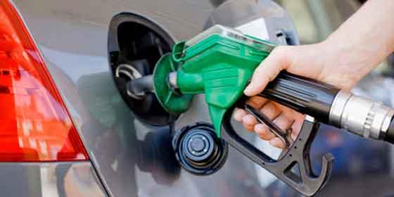Cuánta gasolina es gastada a 100 km la gacela el motor