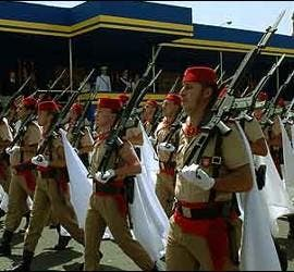 Fuerzas Regulares del Ejército de Tierra en el desfile del Día de las Fuerzas Armadas.