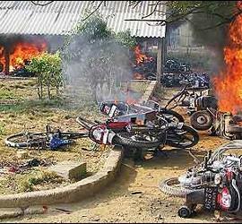 Disturbios en la India, protagonizados por los trabajadores de Regency Ceramics.