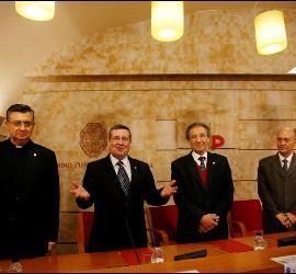 Un momento de la firma del convenio entre la Upsa y la universidad chilena