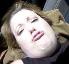 Adele en pleno acto sexual, según Públic.