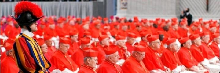 Los nuevos cardenales escuchan a Benedicto XVI