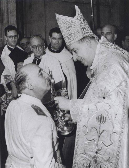 ¿Iglesia Catolica de la mano del fascismo? Franco