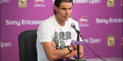 <p>El tenista español Rafael Nadal habla durante una rueda de prensa, en el marco del Abierto de Miami en Cayo Vizcaíno, Florida (EE.UU.). EFE</p>
