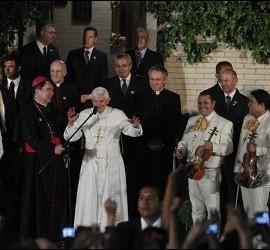 El Papa con los mariachis
