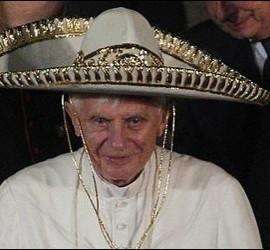 El Papa con sombrero mexicano