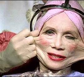 Cirugía estética, moda, botox, edad y sanidad.