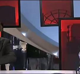 Fernando Berlin busca sus papeles ante Carmelo Encinas