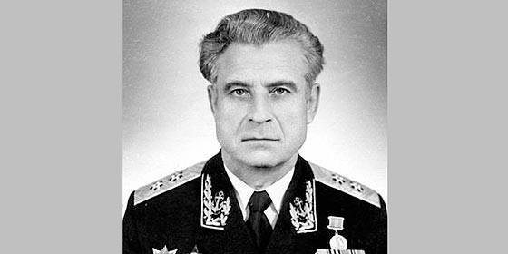 Vasili Arkhipov, el marino soviético que salvó al mundo del holocausto Vasiliarkhipov_560x280