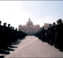 Curas lefebvrianos en el Vaticano
