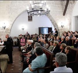 Osoro firma el proceso del milagro de Vicente Garrido