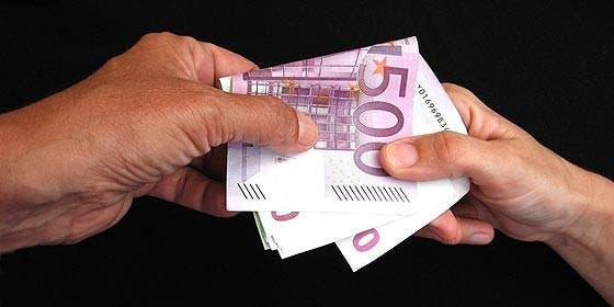 Corrupción, chantaje, soborno, derroche y dinero público.